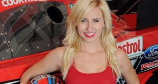 Video: el impresionante accidente de la piloto Courtney Force